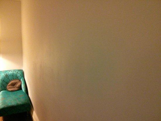 Hotel Indigo Edinburgh : Barren walls