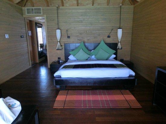 Vilamendhoo Island Resort & Spa : Jacuzzi Water Villa
