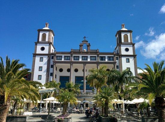 Lopesan Villa del Conde Resort & Corallium Thalasso: Blick über die Plaza