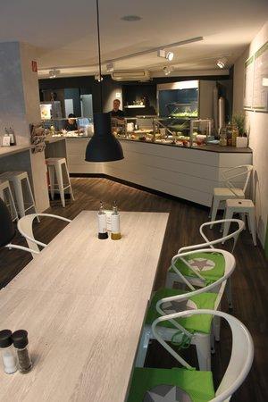 Escasano - Salad Experts: Relaxte und einladende  Atmosphaere