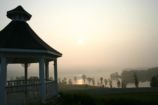 Whitestone Country Inn: Pavilion...