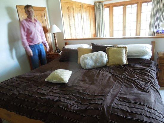 Mount St. Paul Estate : The room