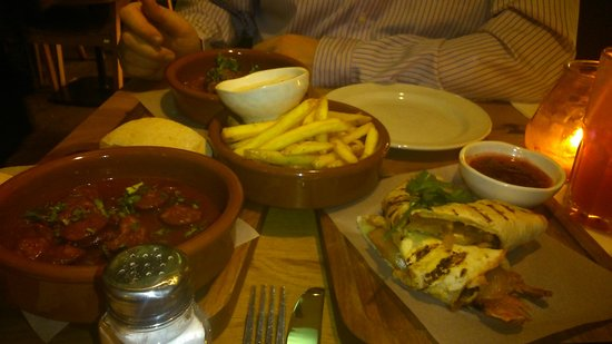 Las Iguanas - Newcastle: tapas to share meat balls fab