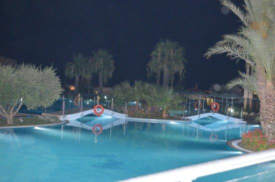 Lindos Imperial Resort & Spa : pool at night