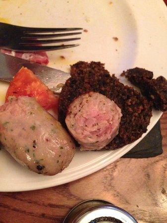 Deeside Inn: Risky pink sausages at breakfast...