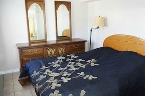 Totem Motel & Resort: Suite #5 - Two-bedroom suite - Up to 4 guests