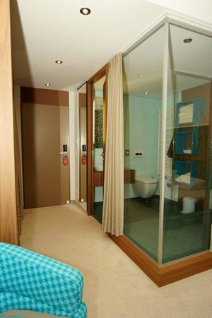 Hotel Bornmuehle: Blick ins Bad