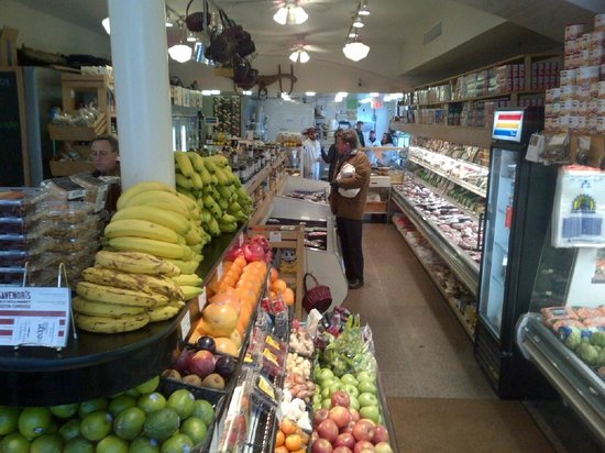 Boston Foodie Tours: One of a number of fine shops on the tour