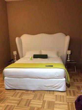 Firenze Number Nine Wellness Hotel: lit chambre classic
