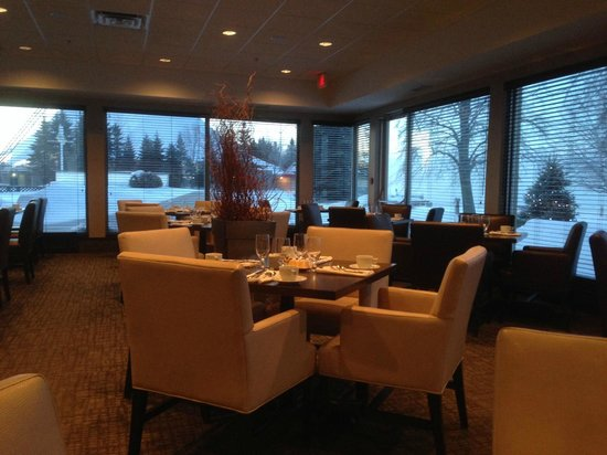 Delta Sault Ste. Marie Waterfront Hotel: The View Restaurant