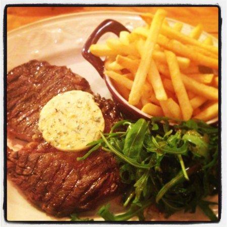Margot's: Steak & Chips