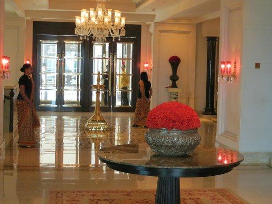 The Leela Palace Chennai: Atrio