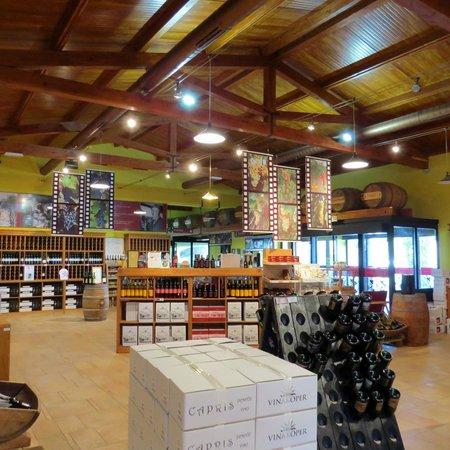 Vinakoper: wine sales showroom