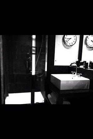 Malmaison Reading: The clock in the bathroom.