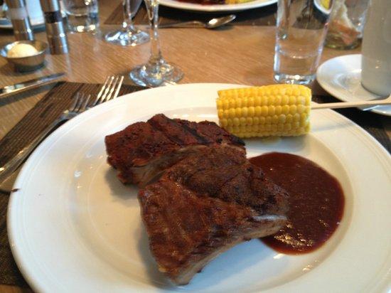Edge Steak & Bar : grill