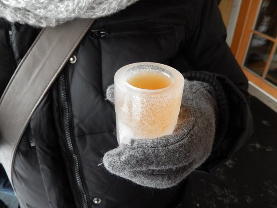 Kava Tours : Pressed ice grape juice in an ice glass