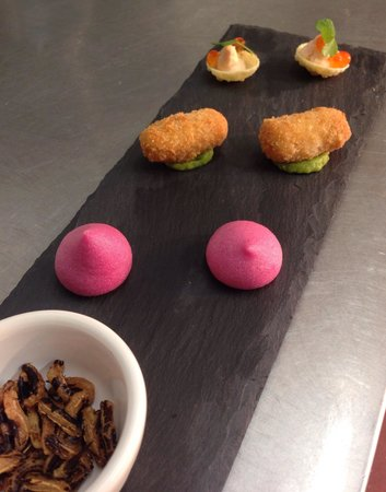 Enterkine House Hotel: Canapes