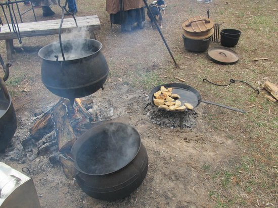 Fort Dobbs: What's cookn'