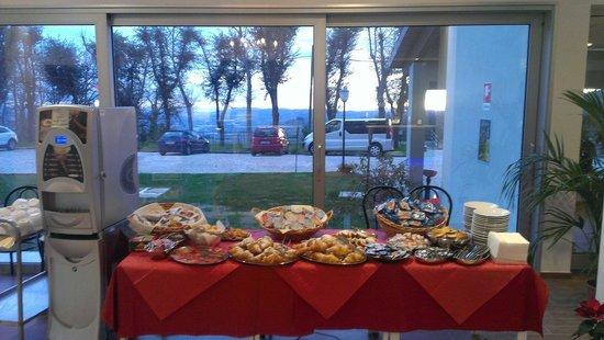 Oasi Carpineto: Colazione a buffet