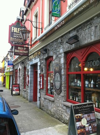 Foleys Guesthoues & Self-Catering Holiday Homes: Foleys Pub & Guesthouse in Kenmare
