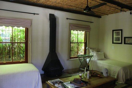 La Fontaine Guest House: Lounge Area