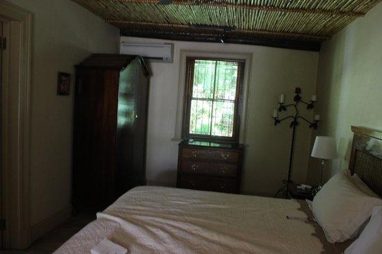 La Fontaine Guest House: Room