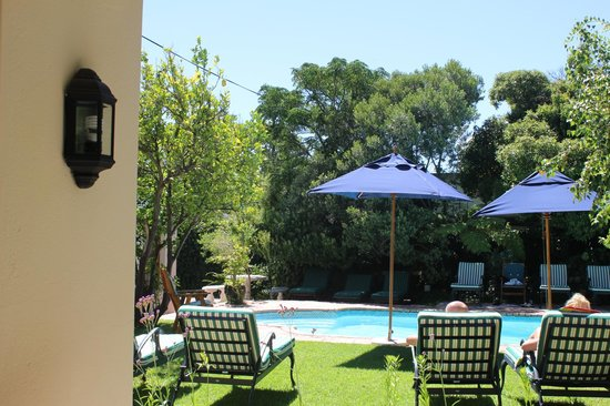 La Fontaine Guest House: Pool