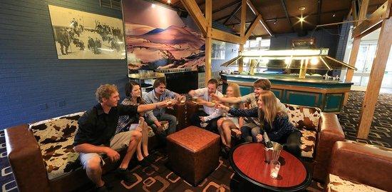 Lake Jindabyne Hotel: lounge