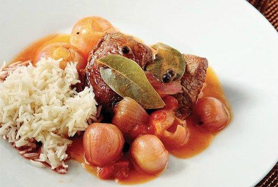 Dionysos Greek Restaurant: STIFADO