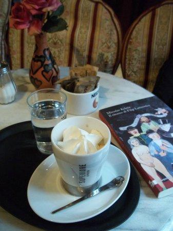kavana K&K knjiga i kava