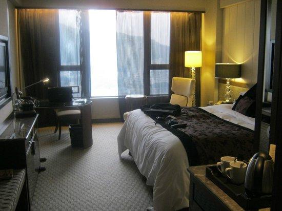 Sofitel Macau At Ponte 16: The Room - blackout curtains etc - loved it