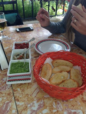 Los Compadres: Complimentary Bread with dip