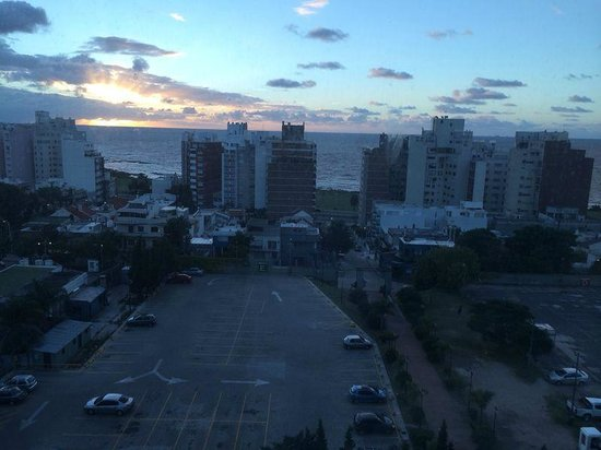 Sheraton Montevideo Hotel: half view to the sea