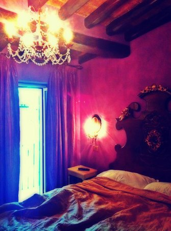 Boutique Hotel Campo de Fiori: Room 504 (quiet, deluxe room w/ small balcony facing adjacent buildings)