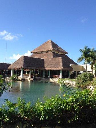Grand Palladium White Sand Resort & Spa: White Sand lobby