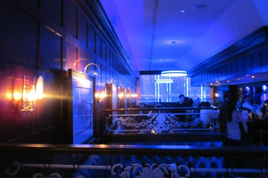 The Blue Bar, Algonquin Hotel : All Blue