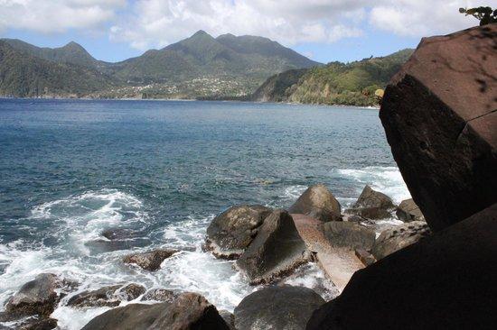 Zandoli Inn - View from the rock seashore morning