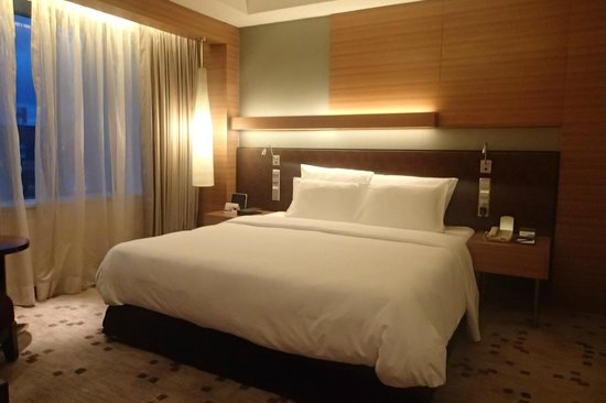 Radisson Blu Cebu: DeLuxe bed room