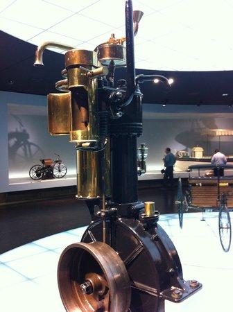 Mercedes-Benz Museum: Primer motor Diesel