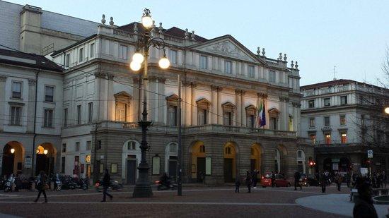 Scala de Milan (Teatro alla Scala) : esterno teatro