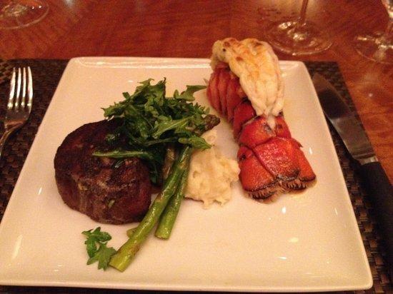 Final Cut Steak Seafood Toledo Restaurant Reviews Phone Number Photos Tripadvisor