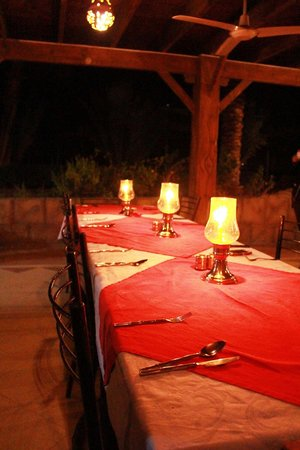 Panda Resort: candle light dinner at the beach bar