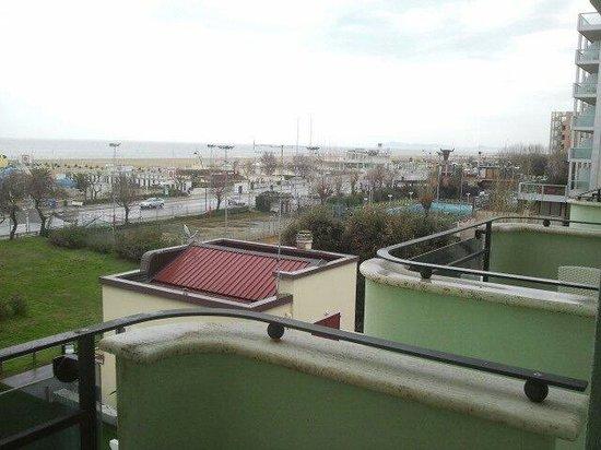 Hotel De Londres: Distanza tra i balconi delle camere
