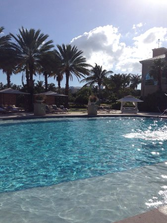 The Ritz-Carlton, Grand Cayman: Quiet pool on the lagoon side