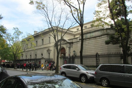 The Frick Collection : Bit of a line