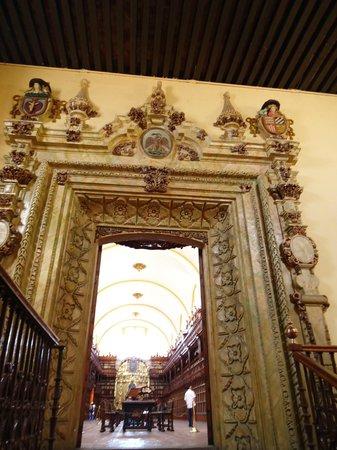Biblioteca Palafoxiana: Entrada