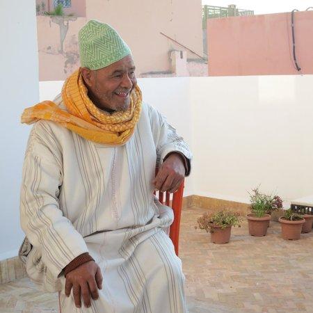 Cafe Clock: Master storyteller Ahmed (Arabic-speaking)