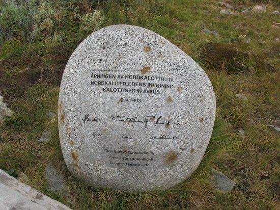 Treriksroset: Nordkalottleden historical marker
