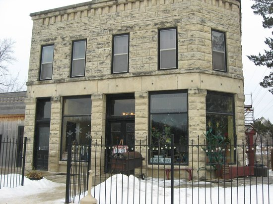 The General Store Pub: The business is in a beautiful stone building.