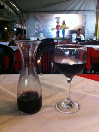 Restaurante e Pizzaria do Noe: Ambiente Simples